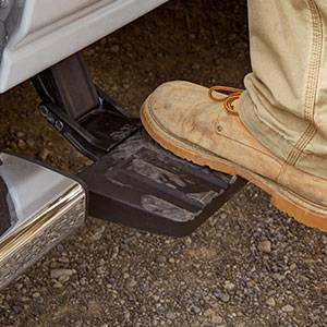 GM Accessories - GM Accessories 22799283 - Standard Box Retractable Bed Step in Anthracite [2014-19 Silverado]